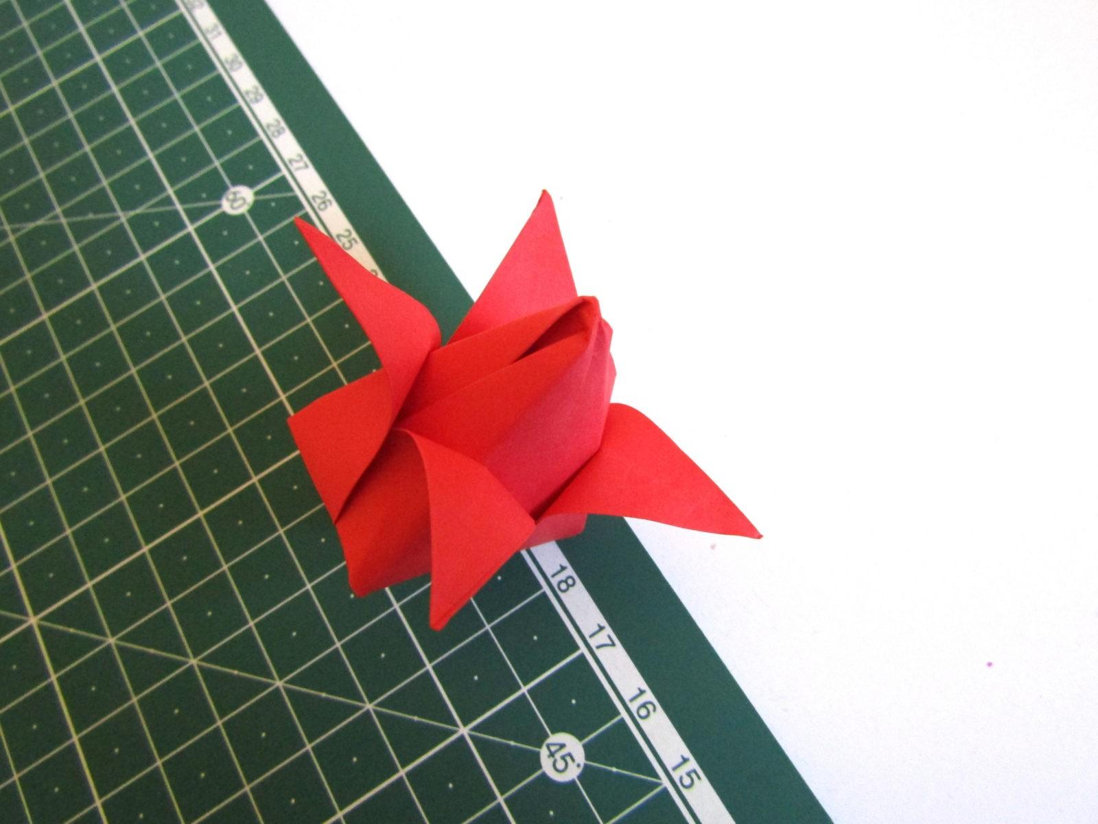 Оригами тюльпан из бумаги -10
