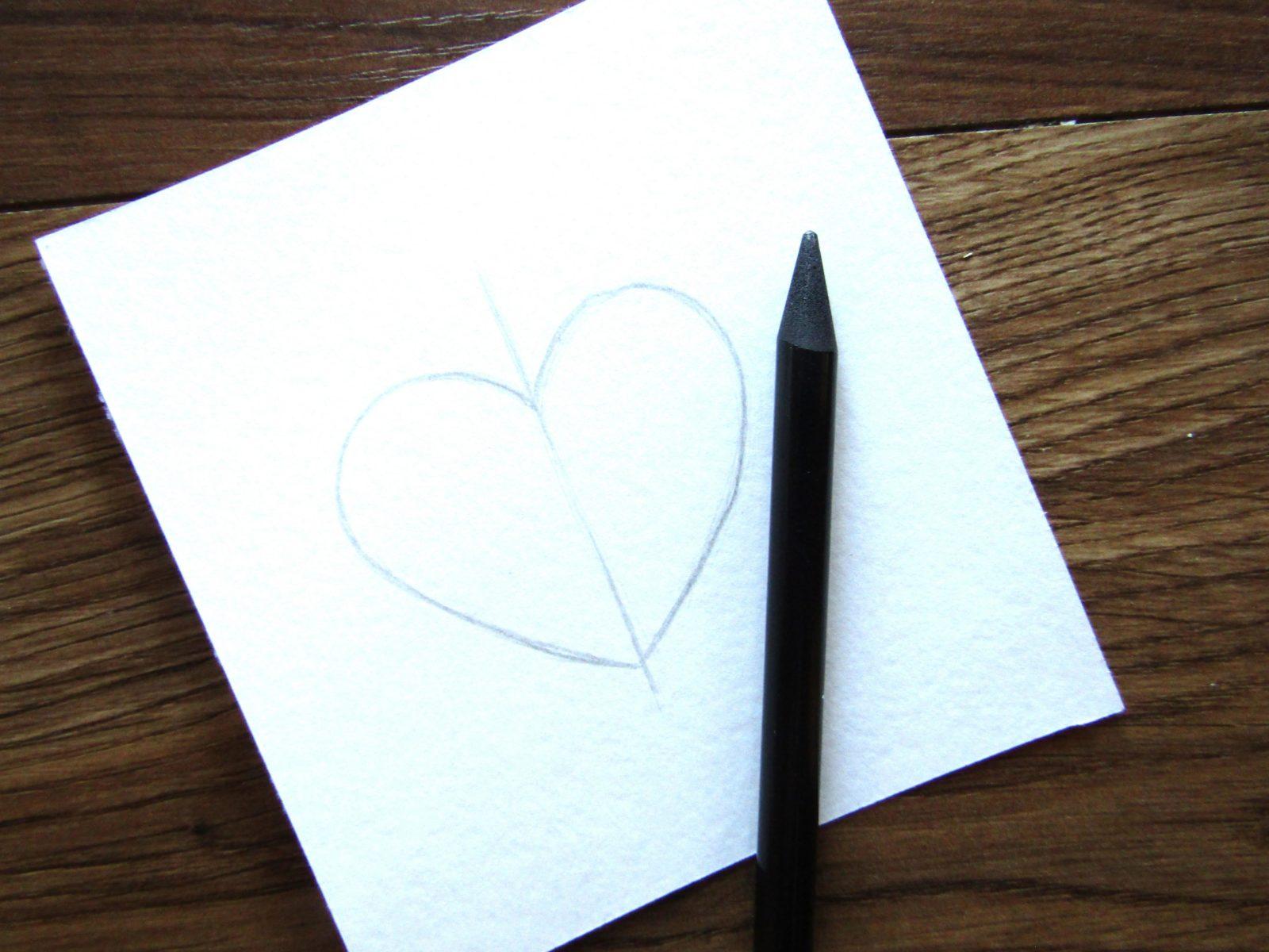Как нарисовать сердечко гуашью - 2