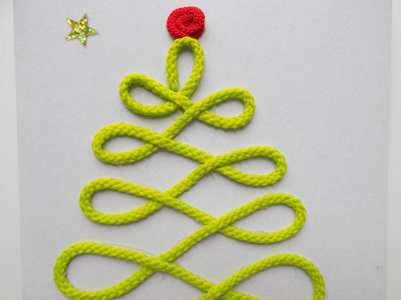 Новогодняя открытка с елочкой из шнура - 8