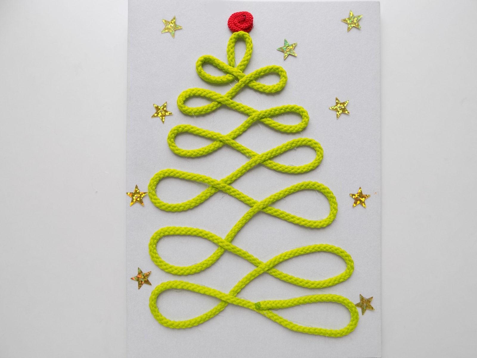 Новогодняя открытка с елочкой из шнура - 9