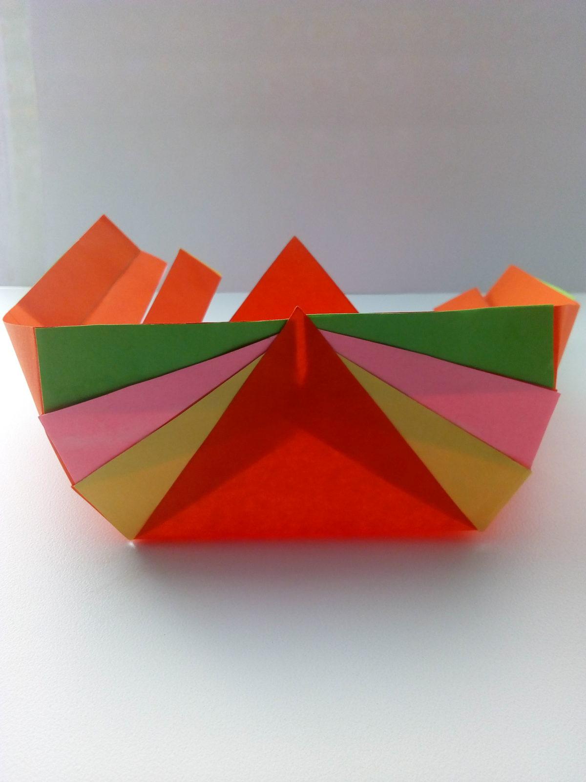 Корзинка из бумаги своими руками-8