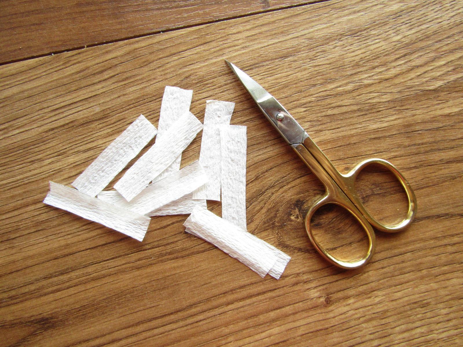 Как сделать ромашку из гофрированной бумаги-2