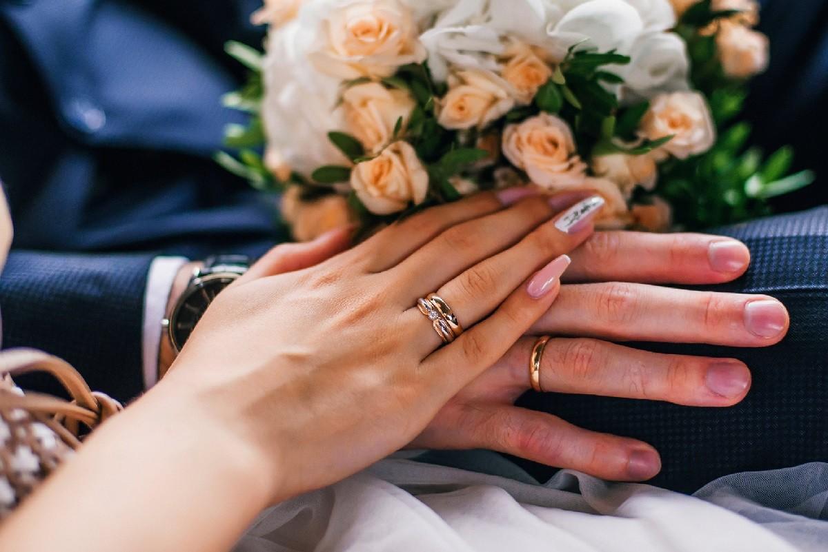 1 год свадьбы – Ситцевая свадьба.