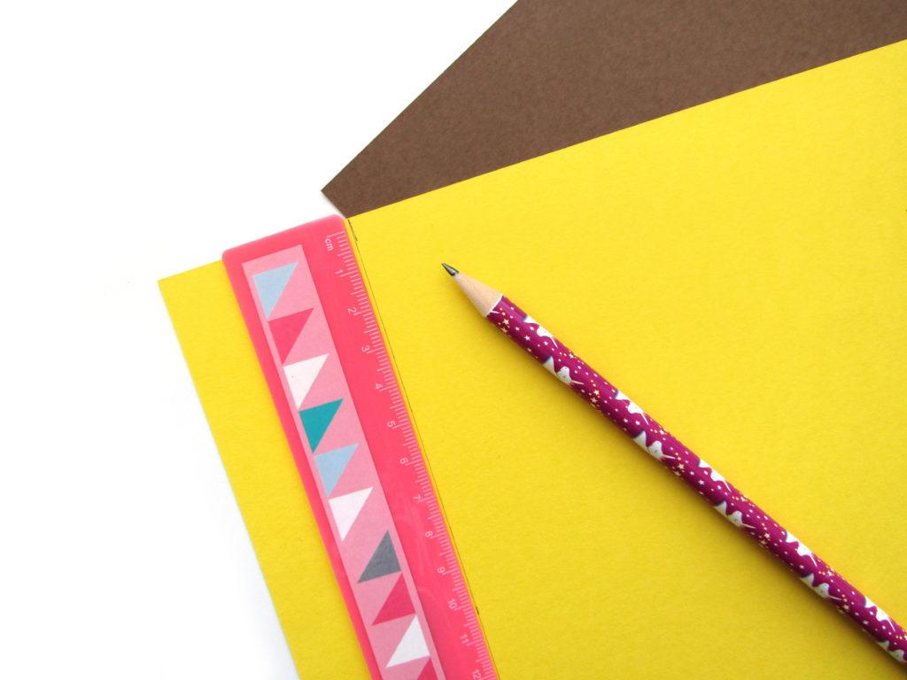 Как сделать ежика из цветной бумаги - 2