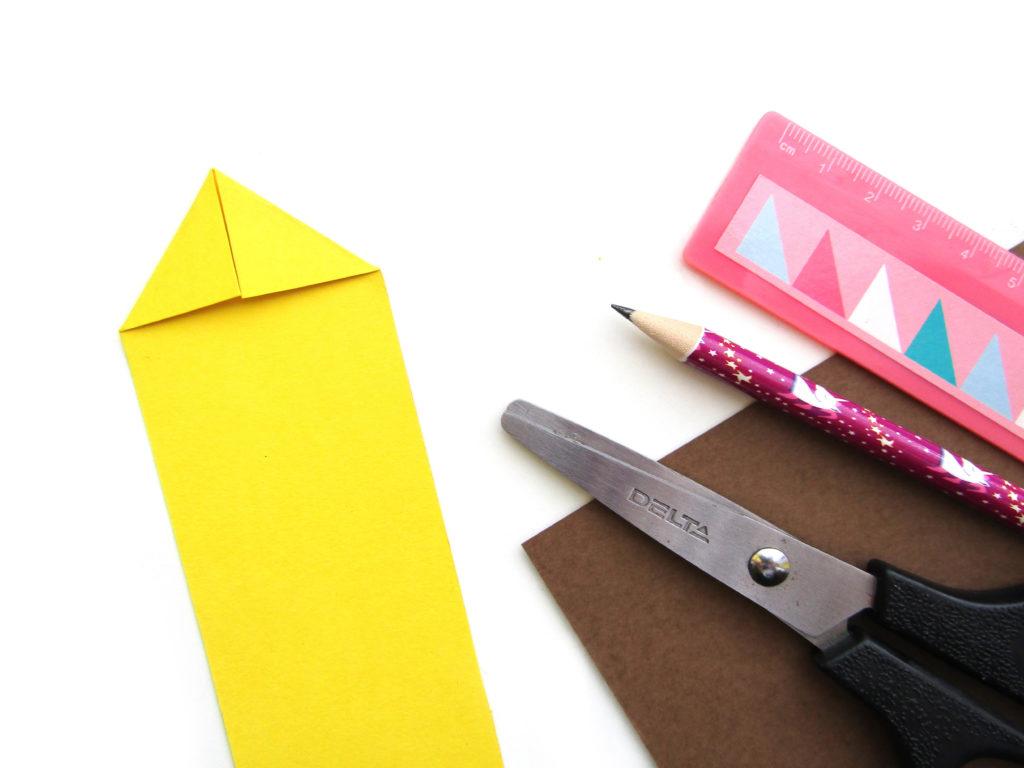 Как сделать ежика из цветной бумаги - 4