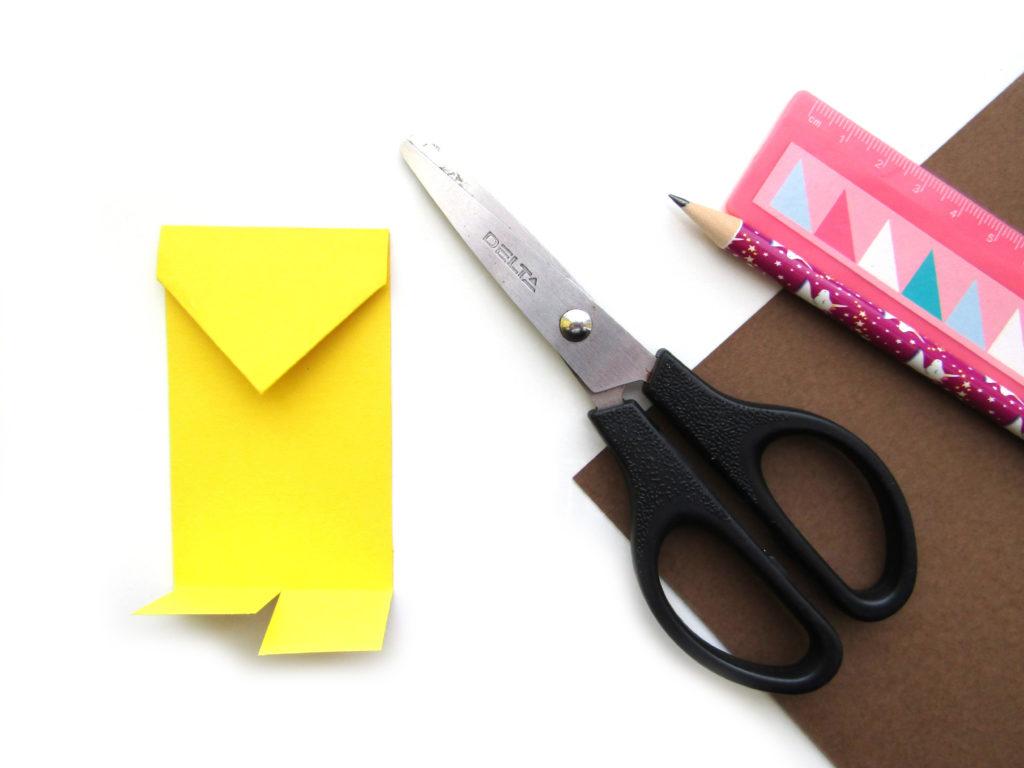 Как сделать ежика из цветной бумаги - 6