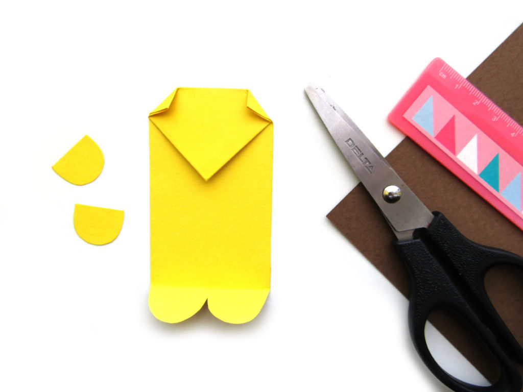 Как сделать ежика из цветной бумаги - 7