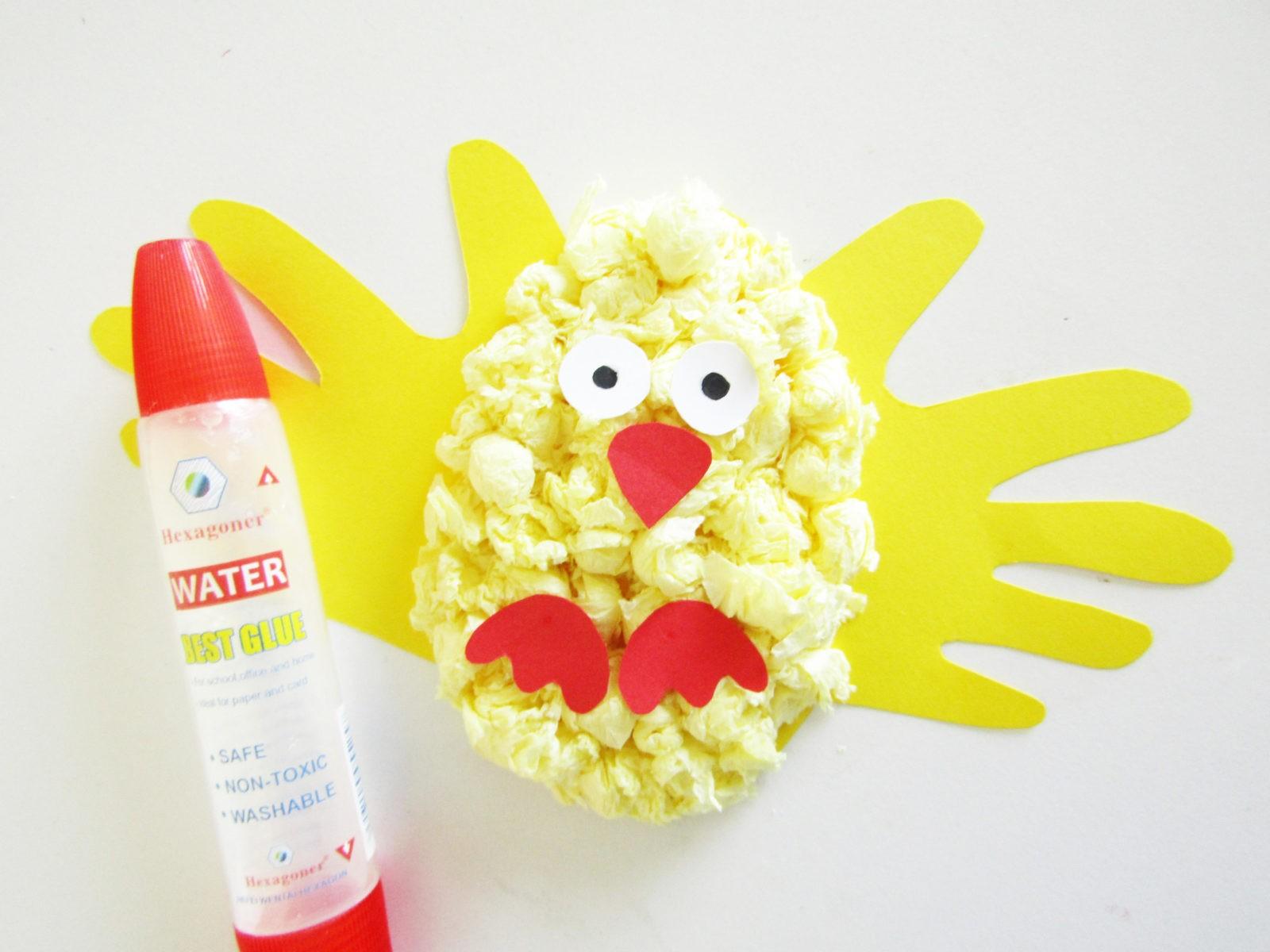 Объемная аппликация цыпленок из бумаги и салфеток - 9