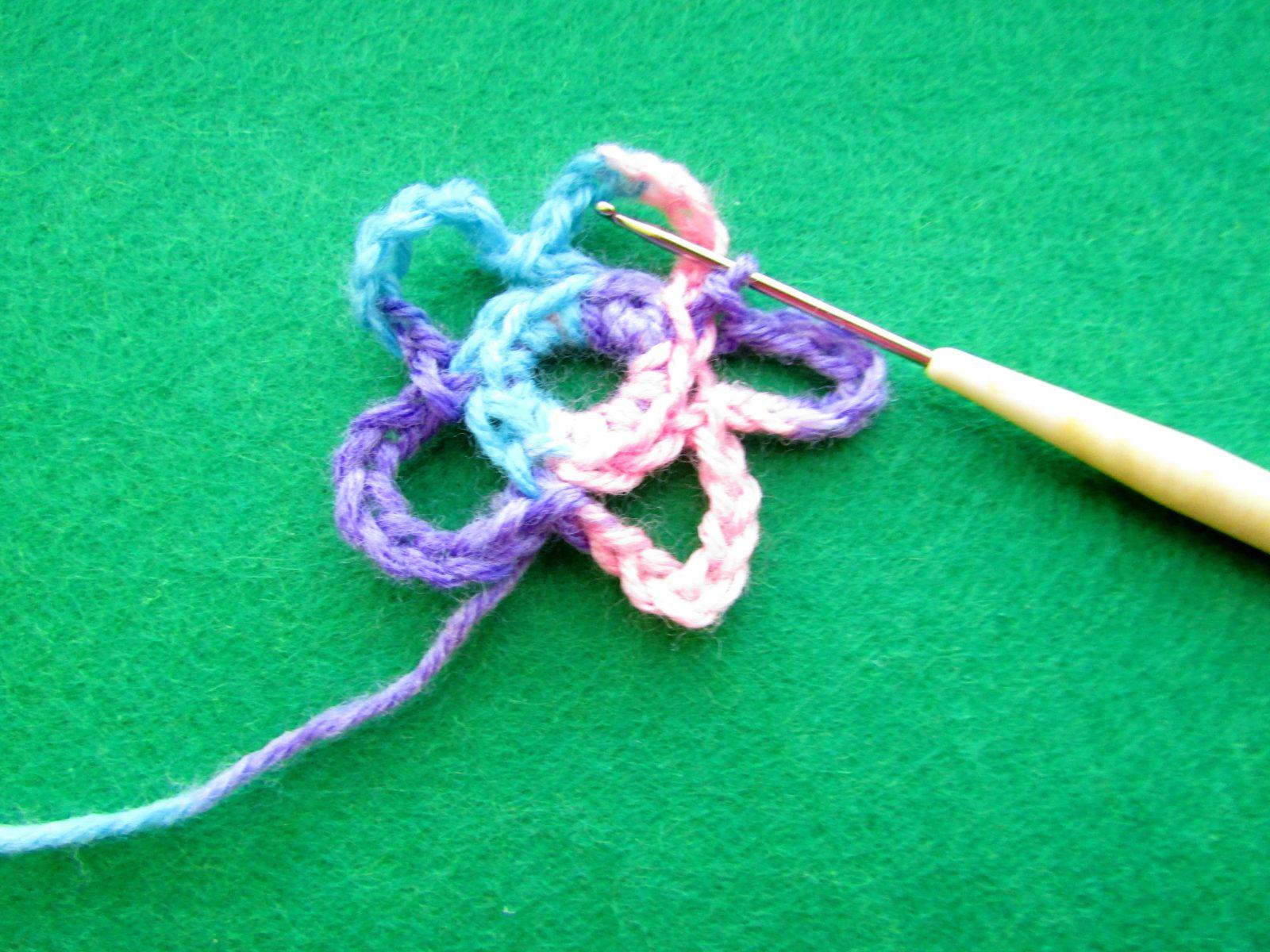 Как связать цветок крючком - 9
